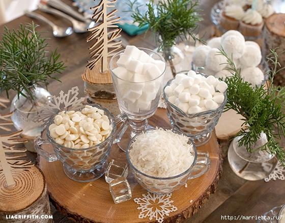 Снежинки из бумаги в новогоднем интерьере (10) (560x438, 259Kb)