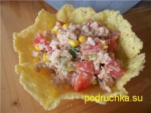 salat-v-syrnoj-korzinke-s-pomidorami-i-kukuruzoj-2-300x225 (300x225, 21Kb)