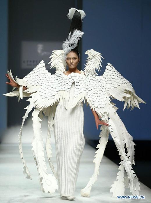 платья-скульптуры драконы сюй мин 1 (519x700, 269Kb)