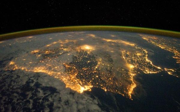 Земля из космоса (600x375, 158Kb)