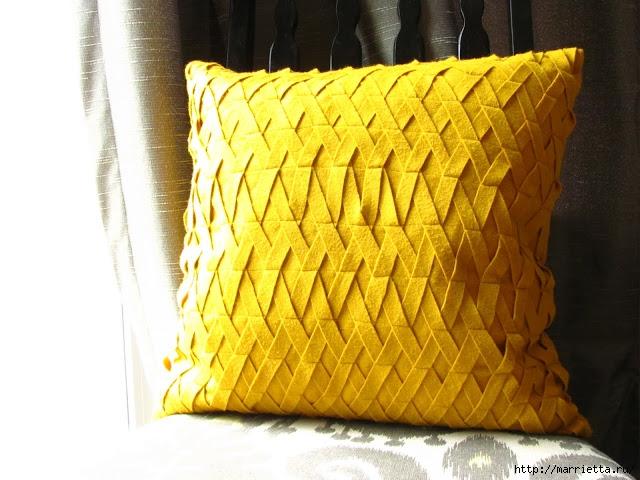 Декоративные подушки из фетра и войлока (12) (640x480, 215Kb)