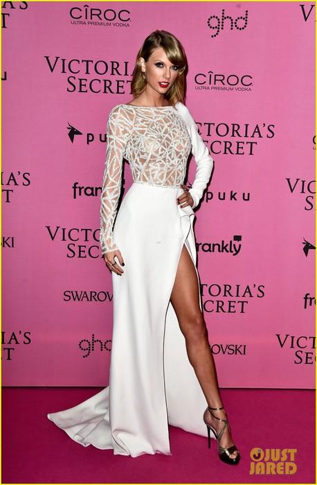 taylor-swift-sexy-leg-victorias-secret-fashion-show-after-party-01 (458x700, 80Kb)