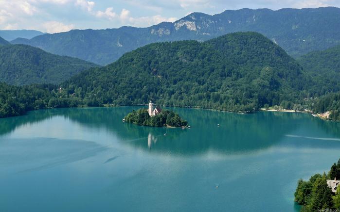 Остров Блед в Словении4 (700x437, 379Kb)