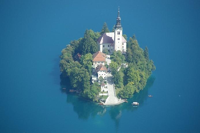 Остров Блед в Словении6 (694x461, 126Kb)