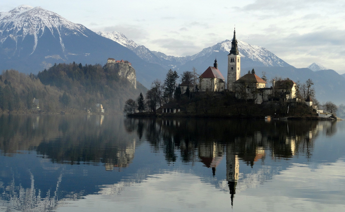 Остров Блед в Словении13б (700x430, 293Kb)