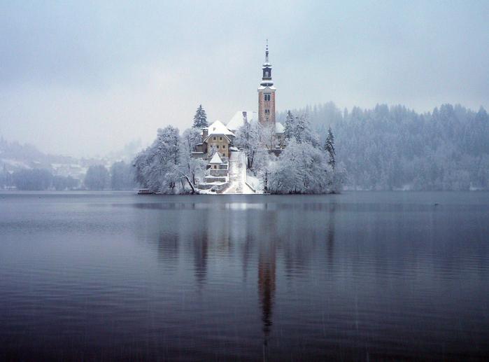 Остров Блед в Словении20 (700x517, 509Kb)