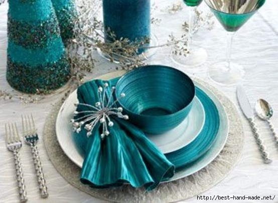 Green-tosca-design-for-christmas-decoration-idea-with-tableware-and-stainless-steel-cutlery-with-nice-napkins (554x405, 138Kb)