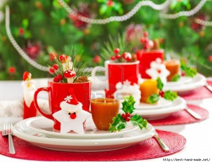 Pleasant-Furniture-Christmas-Party-Table-Decorations-With-Candles-And-Red-Cups-For-Tea-In-Decorate-Christmas-Party-Table-Decorations-Setting-X-With-Awesome-Christmas-Craft-Ideas (700x536, 252Kb)