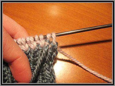 Как спрятать нить при вязании спицами