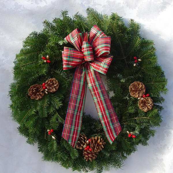 new-year-decorations-from-pine-branches-wreath4 (600x600, 413Kb)