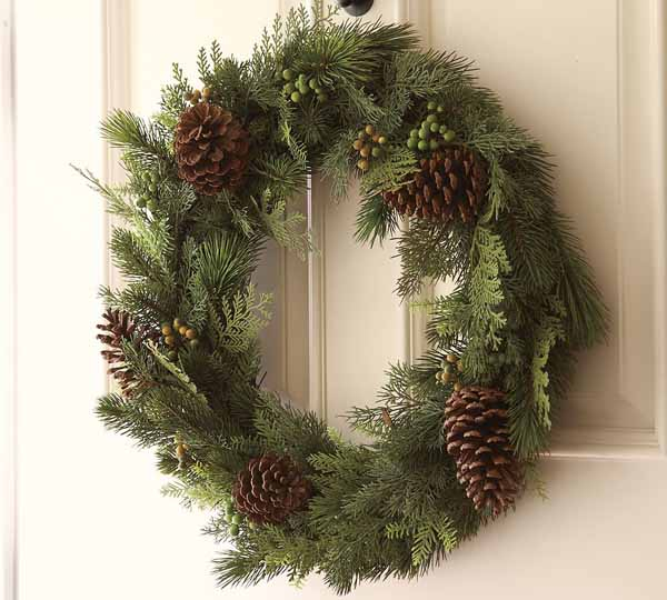 new-year-decorations-from-pine-branches-wreath9 (600x540, 215Kb)