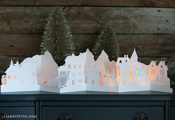 5239566_Paper_Cut_Christmas_Village (560x384, 151Kb)