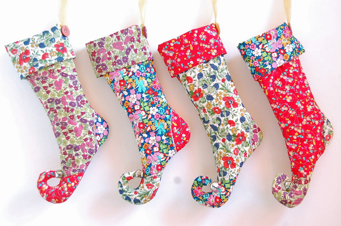 liberty print elf christmas stockings (700x464, 405Kb)