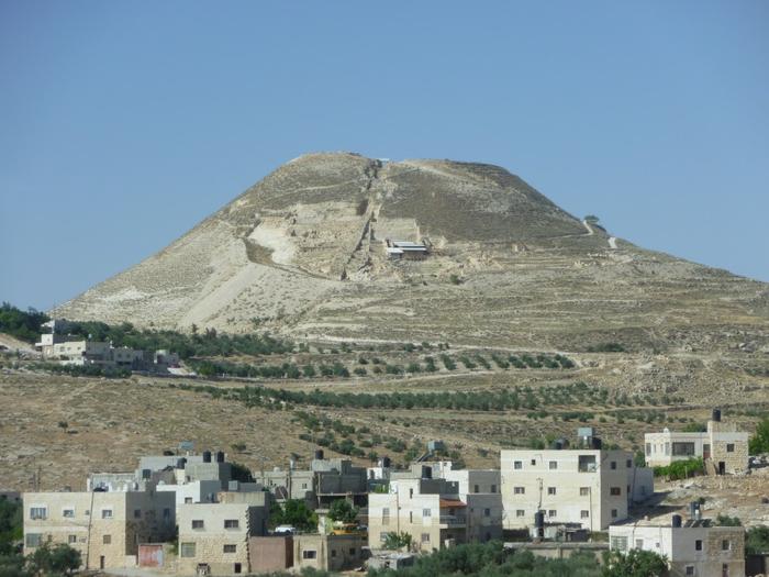 Иродион дворец царя Ирода Израиль 1 (700x525, 316Kb)