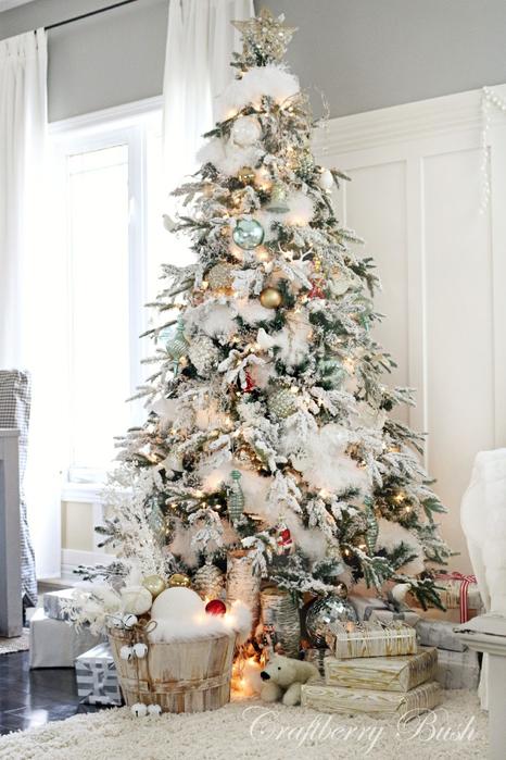 Christmashousetour2014flockedtreefullviewcraftberrybush (466x700, 347Kb)