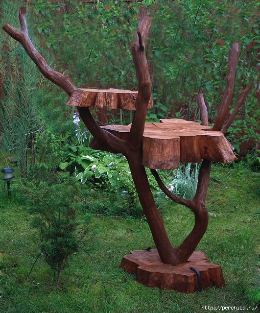 Штучки из дерева на даче