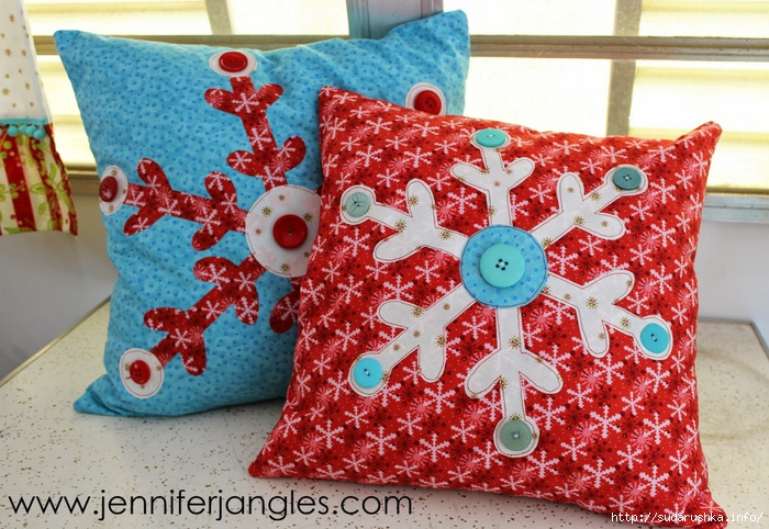 Snowflake pillows (700x482, 356Kb)