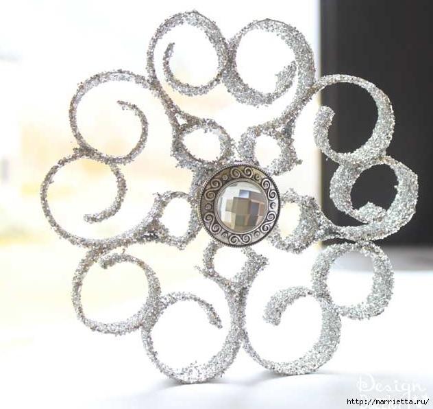 Снежинки из картонных рулончиков для украшения новогодней елки (7) (632x596, 170Kb)
