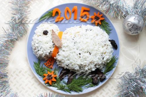 как оформить салат в виде козочки, как оформить салат в виде овечки, как оформить салат в виде барашка, салат овечка, салат барашек. салат козочка, как подать еде на 2015 год, символ 2015 года на праздничном столе, еда для детей в виде овечки, детская еда в виде животных, как красиво подать еду детям Хьюго Пьюго,