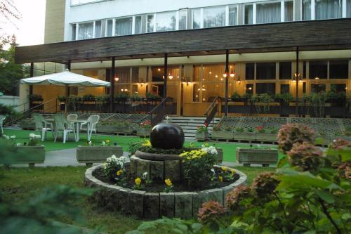 1. Benczur Hotel (500x333, 154Kb)