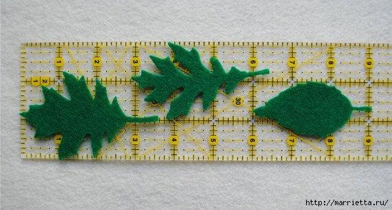 Зимнее оформление подушки листьями из фетра (1) (570x306, 129Kb)