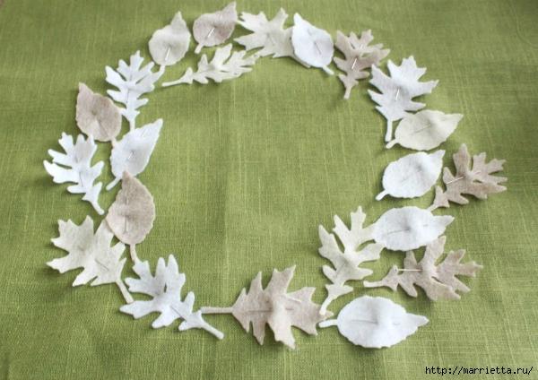 Зимнее оформление подушки листьями из фетра (7) (600x424, 211Kb)