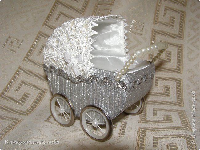 Обворожительная колясочка на день рождения малыша/1783336_75444_1 (650x488, 79Kb)