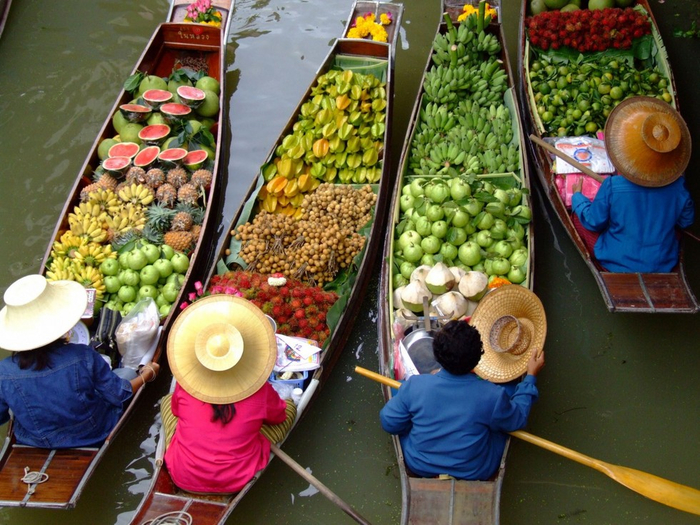 floating-market-in-Bangkok-Thailand-1600x1200 (700x525, 477Kb)