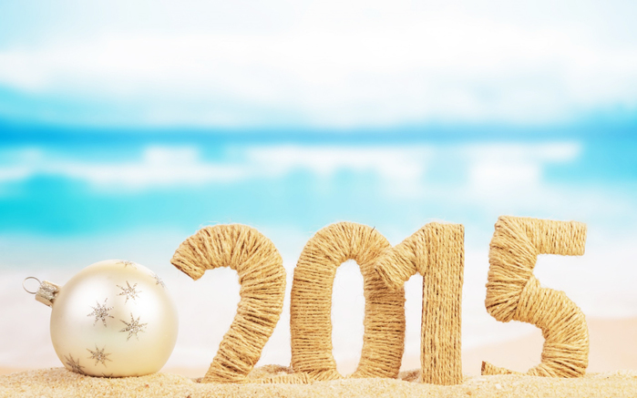Beach-Christmas-Baubles-2015-Happy-New-Year-Images (700x437, 205Kb)