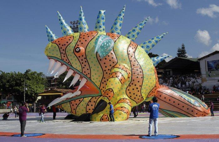 фестиваль воздушных шаров в мексике 11 (700x453, 309Kb)