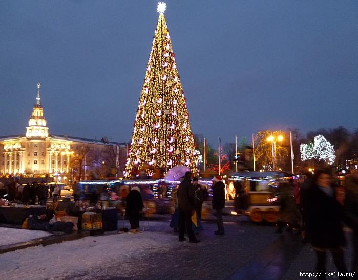 Новогодняя площадь Ленина1 (700x548, 281Kb)