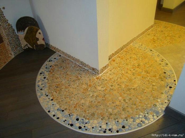 как сделать пол из гальки, полы в ванную,