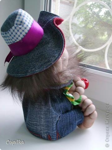 как сделать куклу из капрона, колготочные куклы, домовенок из капрона,