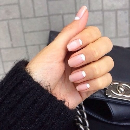 ТОР-10 советов как заставить лак дольше держаться на ногтях. (500x499, 47Kb)