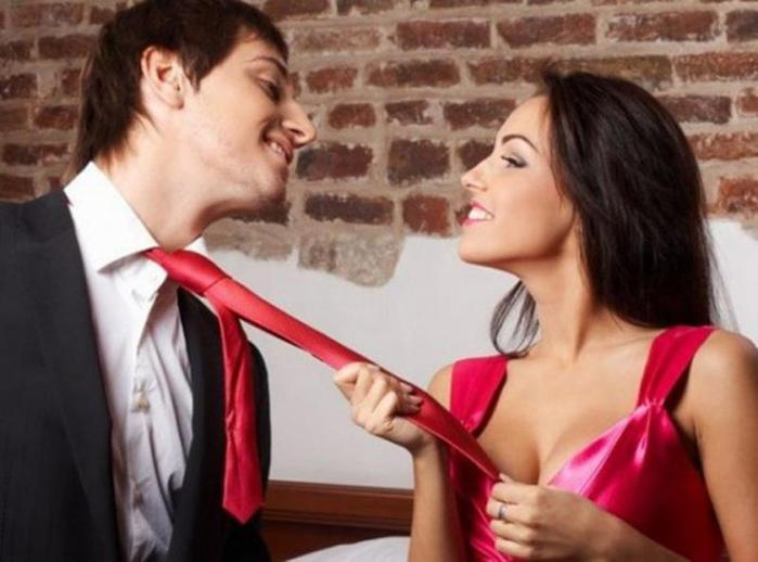 Она тебя хочет! Основные признаки внимания женщины к мужчине