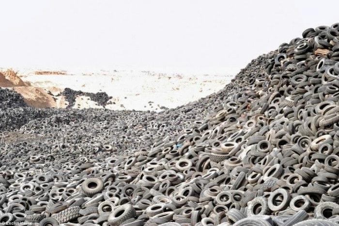 свалка шин в кувейте 2 (700x468, 197Kb)