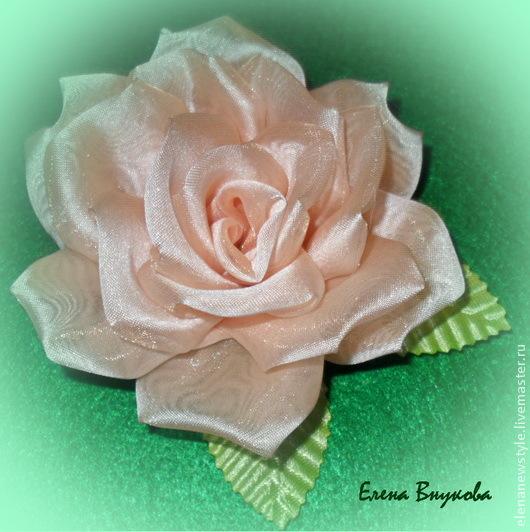 Как сделать розу из ткани без специальных инструментов на примере броши «Роза»/1783336_150113205924 (530x532, 135Kb)