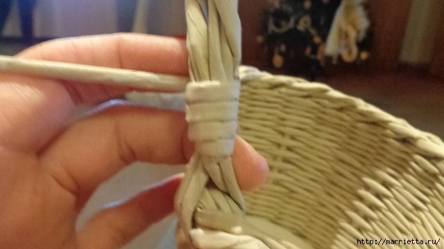 Способ плетения ручки для корзинки из газет (23) (640x360, 149Kb)