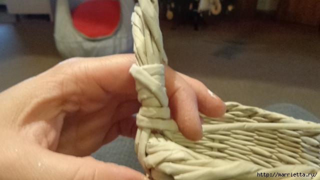 Способ плетения ручки для корзинки из газет (25) (640x360, 146Kb)