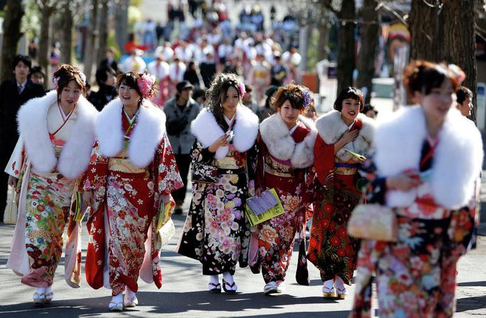 праздник совершеннолетия в японии 1 (700x458, 459Kb)
