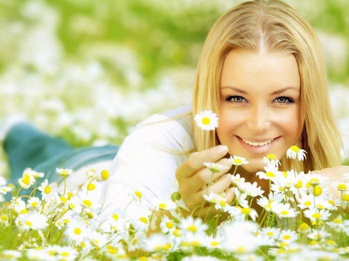 smiling-girl-with-blonde-hair (700x525, 68Kb)