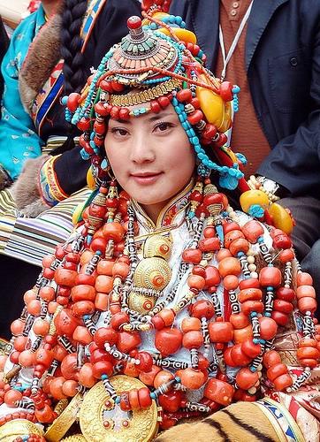 национальные костюмы жителей тибета 2 (362x500, 259Kb)
