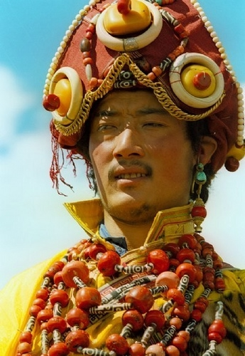 национальные костюмы жителей тибета 4 (345x500, 143Kb)