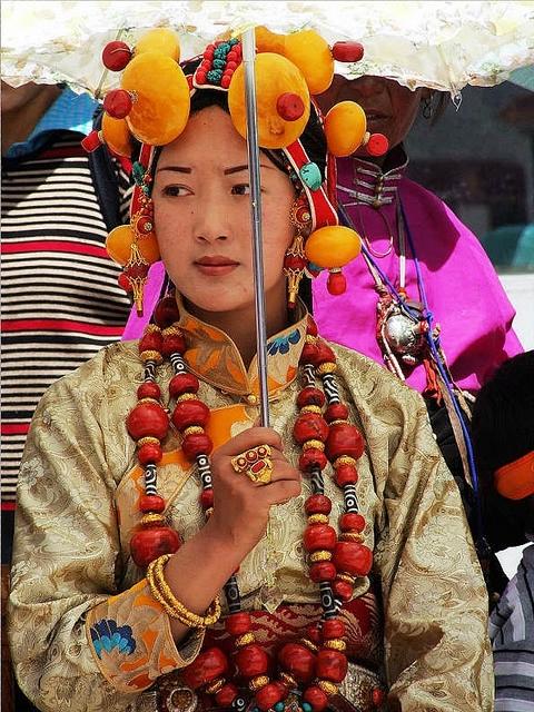 национальные костюмы жителей тибета 7 (480x640, 339Kb)
