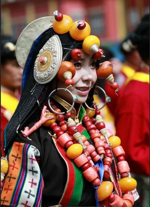 национальные костюмы жителей тибета 11 (506x700, 267Kb)