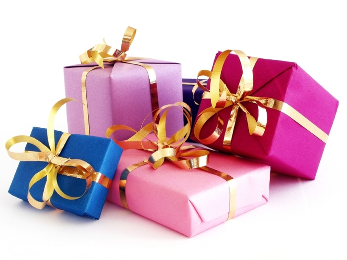 3571750_gifts (700x525, 183Kb)