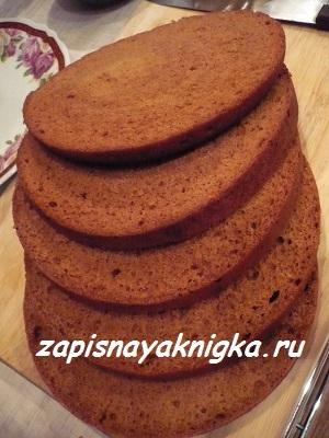 kak-prigotovit-medovyiy-tort-v-multivarke (300x400, 120Kb)