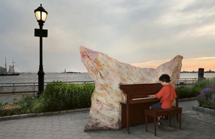Проект Луки Джаррама: «Играй на мне, я твоё!» (пианино на улицах городов)