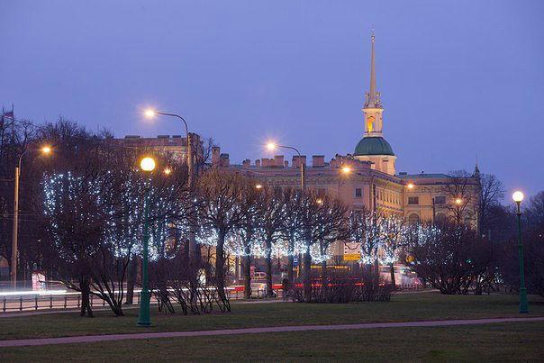 Новогодняя иллюминация Санкт-Петербурга (604x403, 168Kb)