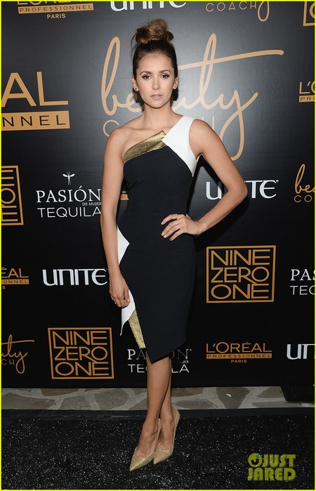 nina-dobrev-julianne-hough-nine-zero-one-salon-launch-01 (450x700, 91Kb)